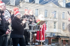 22 décembre 2019 – Le Bagadig Bouvriag au Chalet de Noël, sur la place du Centre de Bourbriac.